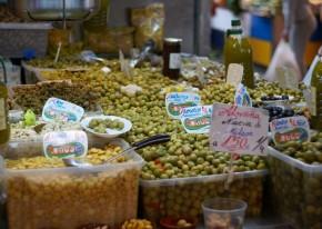 Olives tasting